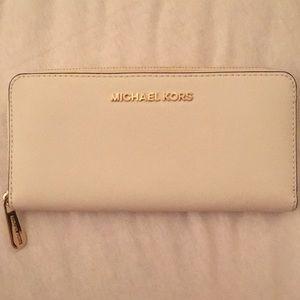 micheal kors wallet - light blue
